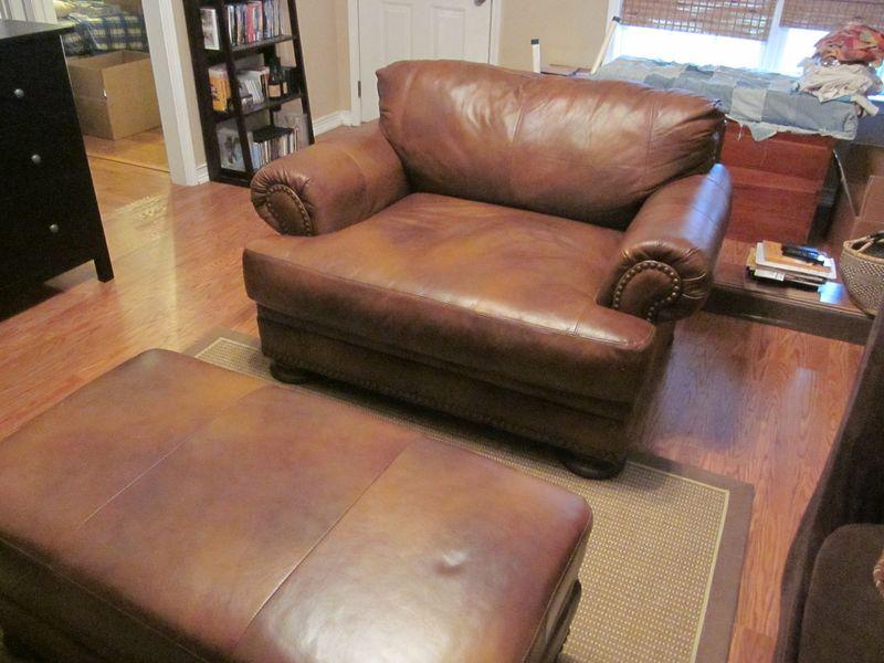 Chair plus Ottoman
